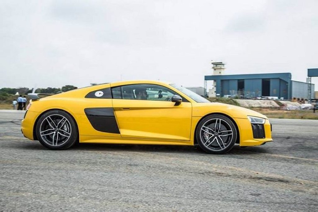 2016 audi r8 v10 plus launched in india at rs crores. Black Bedroom Furniture Sets. Home Design Ideas