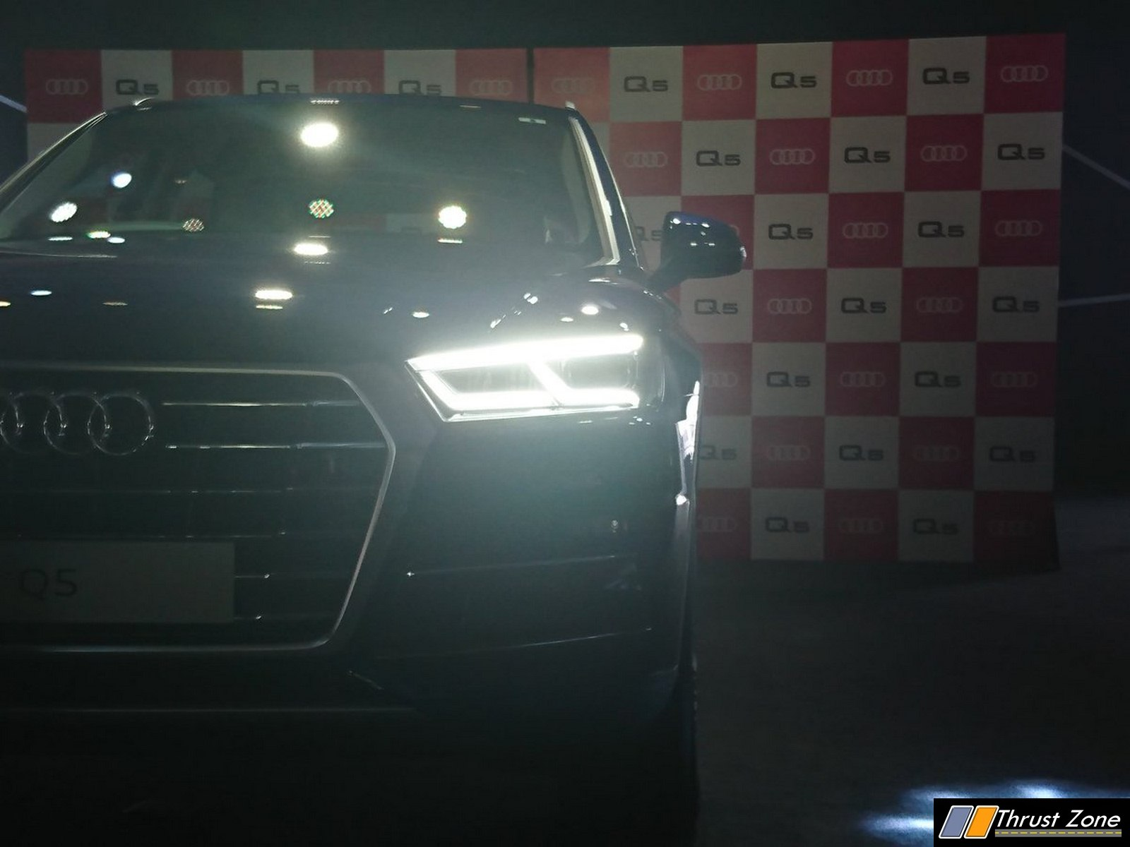 https://www.thrustzone.com/wp-content/uploads/2016/09/Second-Generation-2017-Audi-Q5-Launched-in-India-6.jpg