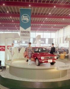 toyota-corolla-50-years-2