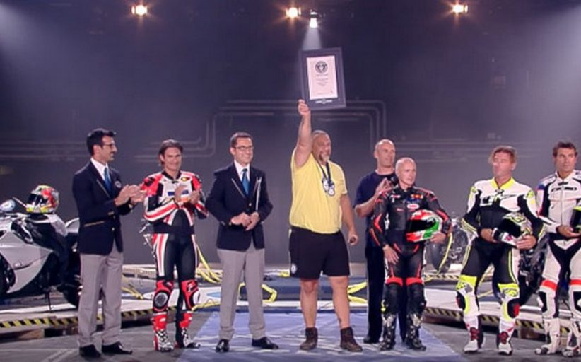 VIDEO: Worlds Strongest Man Resists Four Superbikes Pulling Him - Guinness World Record Attempt
