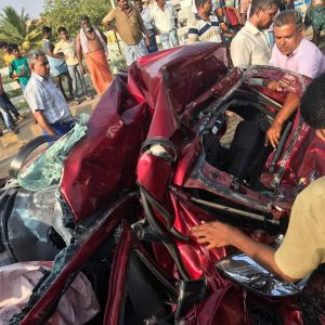 Ford-Aspire-crash-madurai (2)