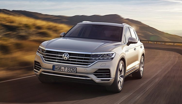 2018 Volkswagen Touareg India Launch (2)