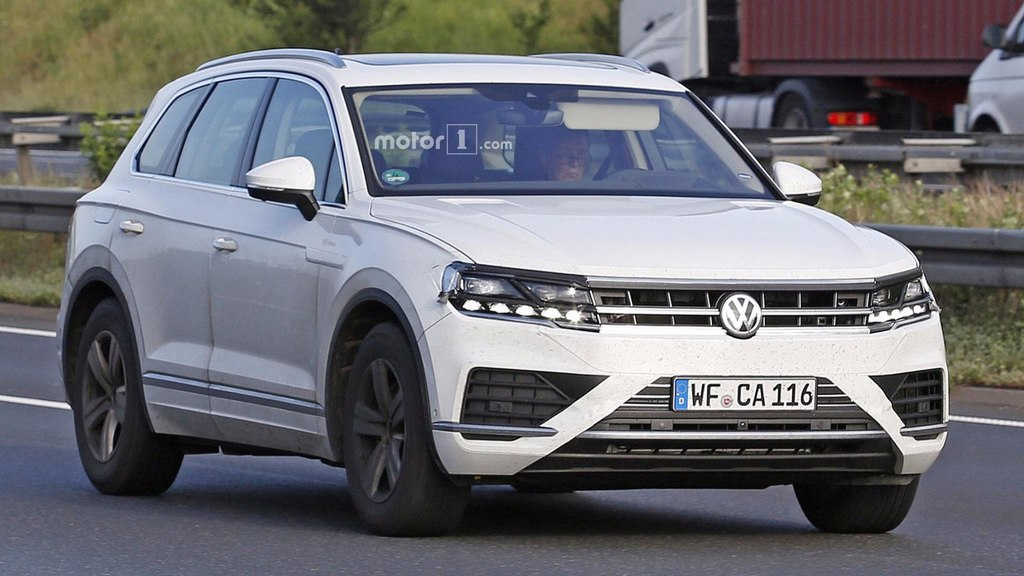 2018 volkswagen touareg india launch could be next thing from vw production version spied. Black Bedroom Furniture Sets. Home Design Ideas