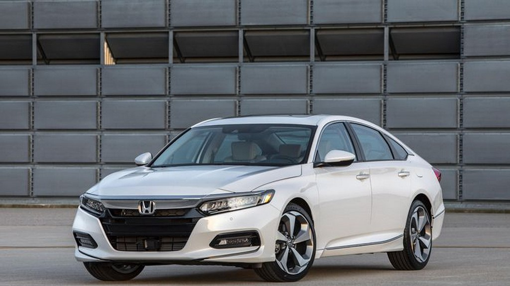 2018 honda accord revealed gains turbocharged 4 cylinders india entry next year. Black Bedroom Furniture Sets. Home Design Ideas