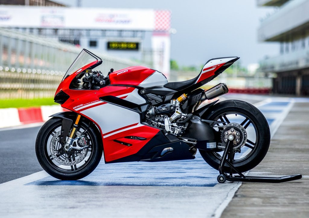 ducati 1299 superleggera india delivery marks a special beginning for superbike market in the. Black Bedroom Furniture Sets. Home Design Ideas