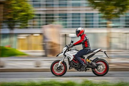2018 Ducati Hypermotard 939 india launch (1)