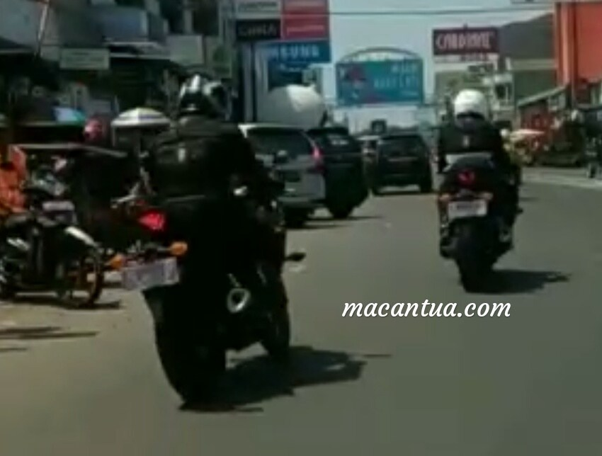 Yamaha R3 Facelift Spied (2)