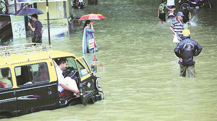 mumbai-rains-car-damage