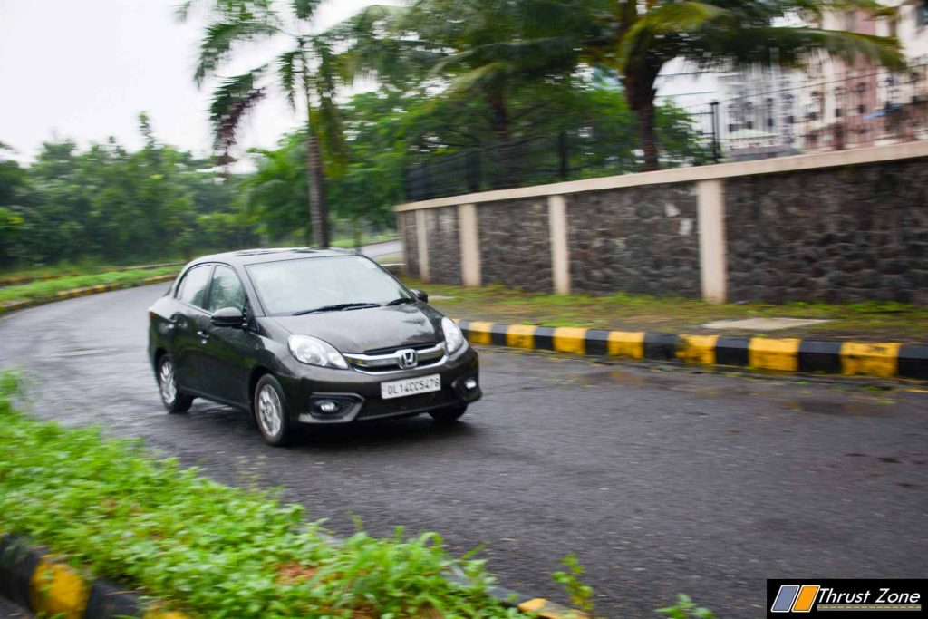 Honda-Amaze-vs-Maruti-Dzire-Petrol-Comparison-Review-10