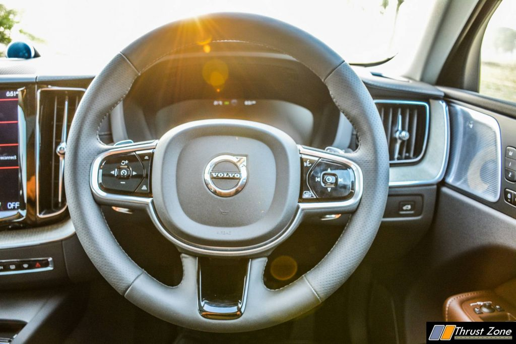 2018-Volvo-XC-60-India-Review-16