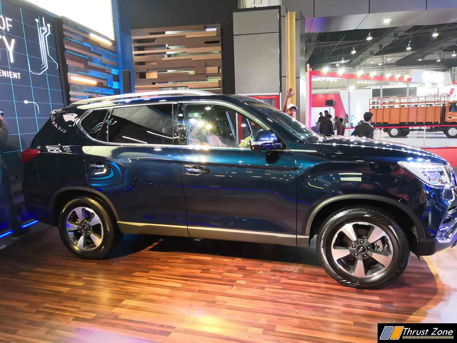 2018 Mahindra Rexton Revealed at Auto Expo 2018