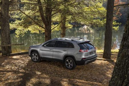 Jeep-Cherokee-2018-model-unveiled (2)