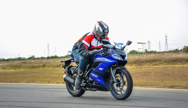 2018 Yamaha YZF R15 V3 Review-26