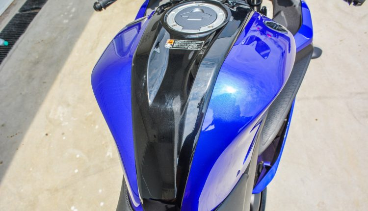 2018 Yamaha YZF R15 V3 Review-9