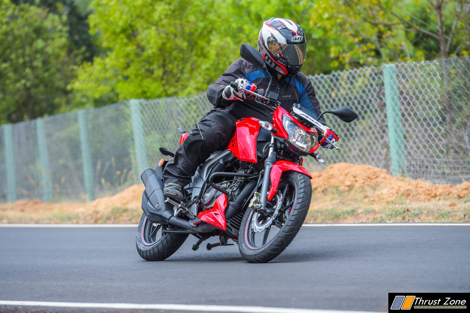 TVS-Apache-RTR-160-4V-Review-8