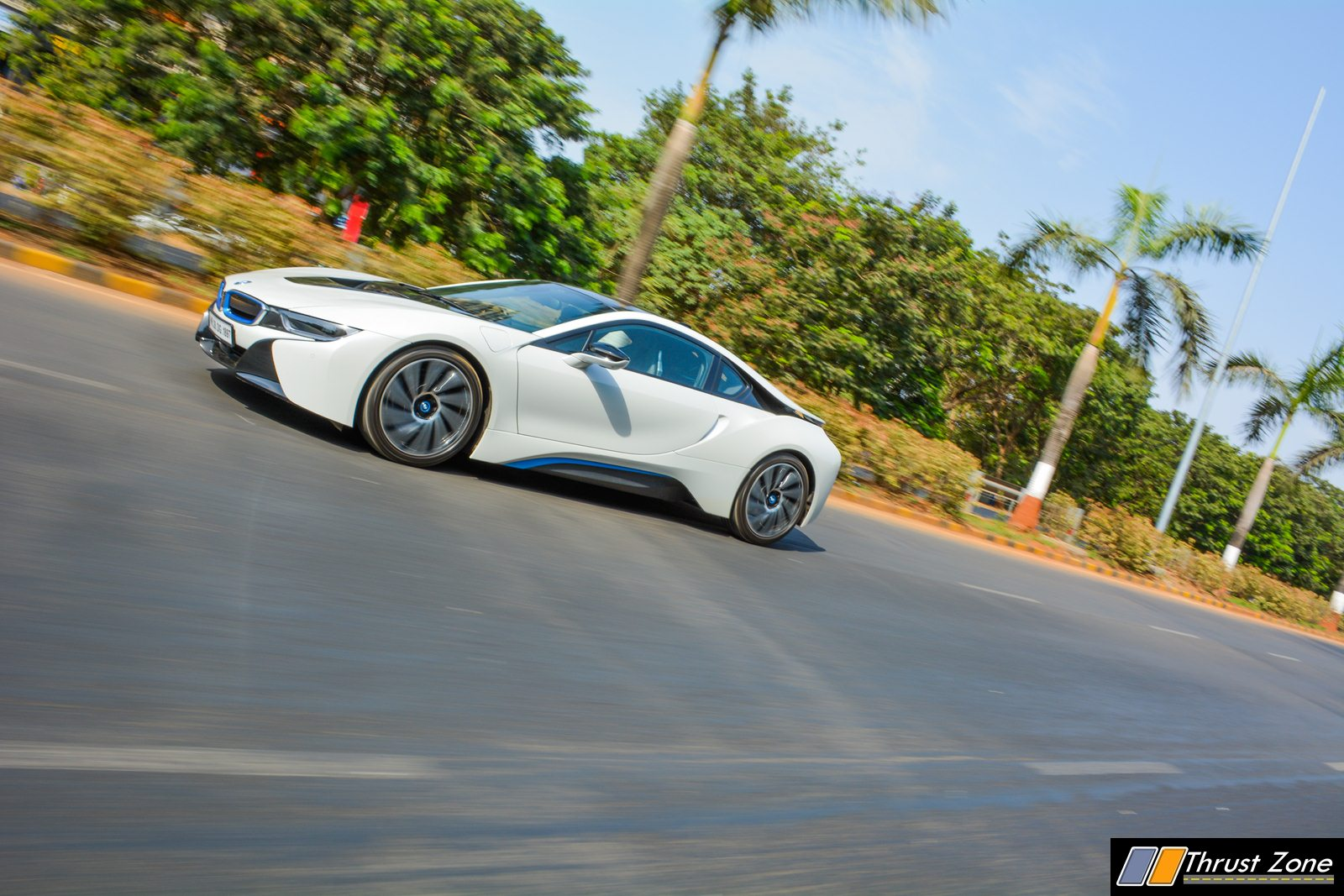 BMW-i8-India-Review-16