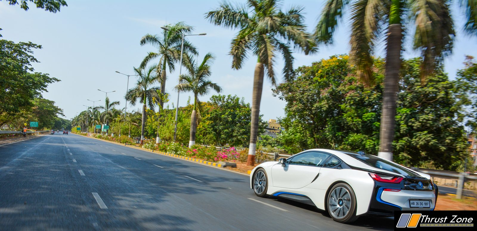 BMW-i8-India-Review-19