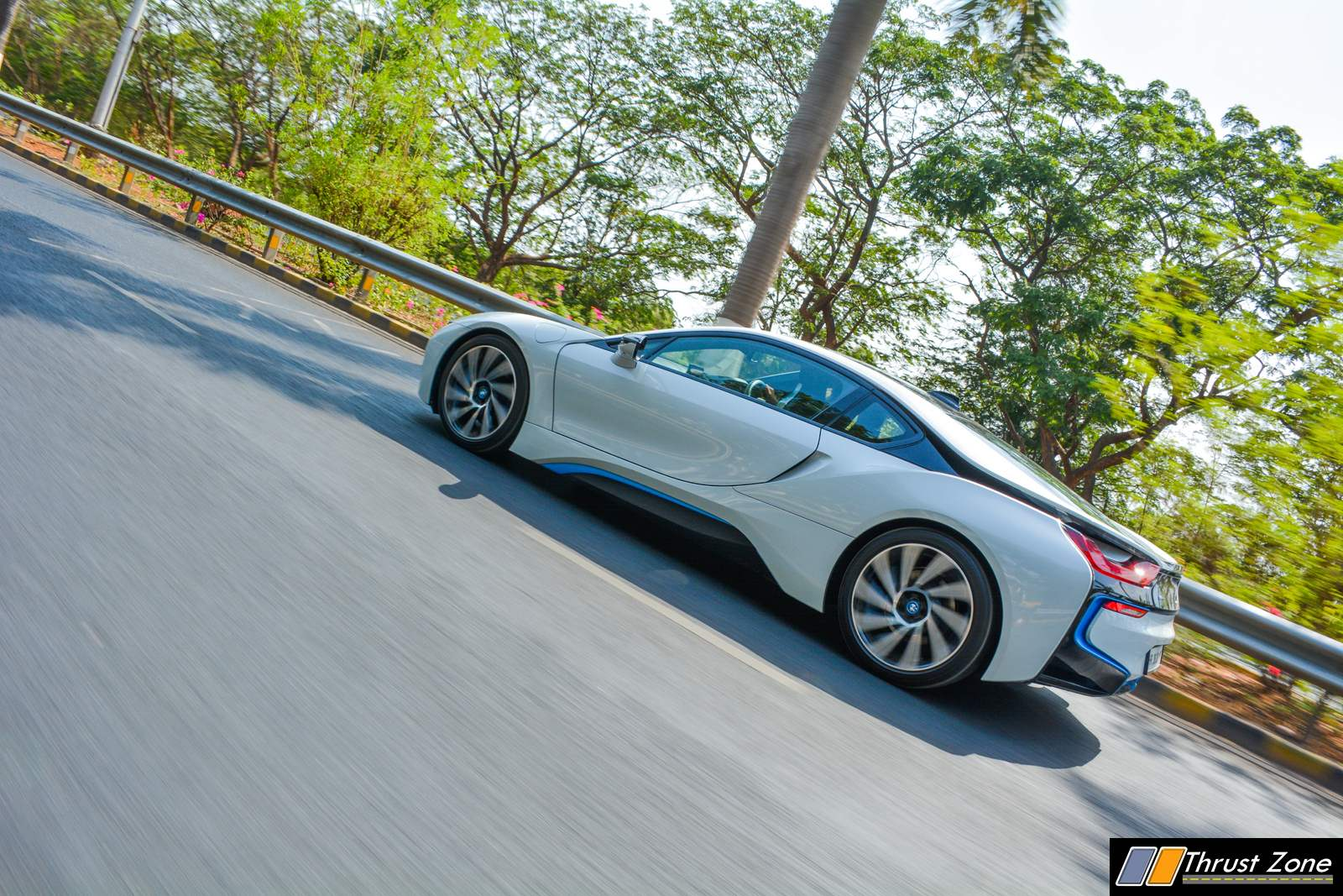 BMW-i8-India-Review-8