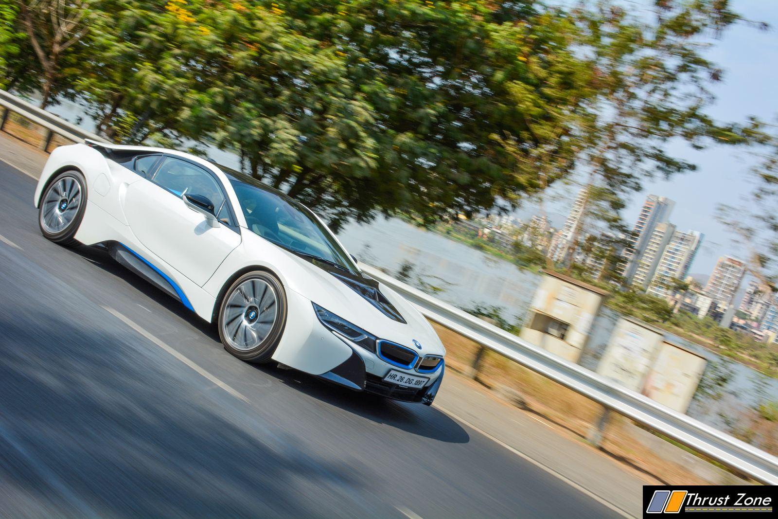 BMW-i8-India-Review-9