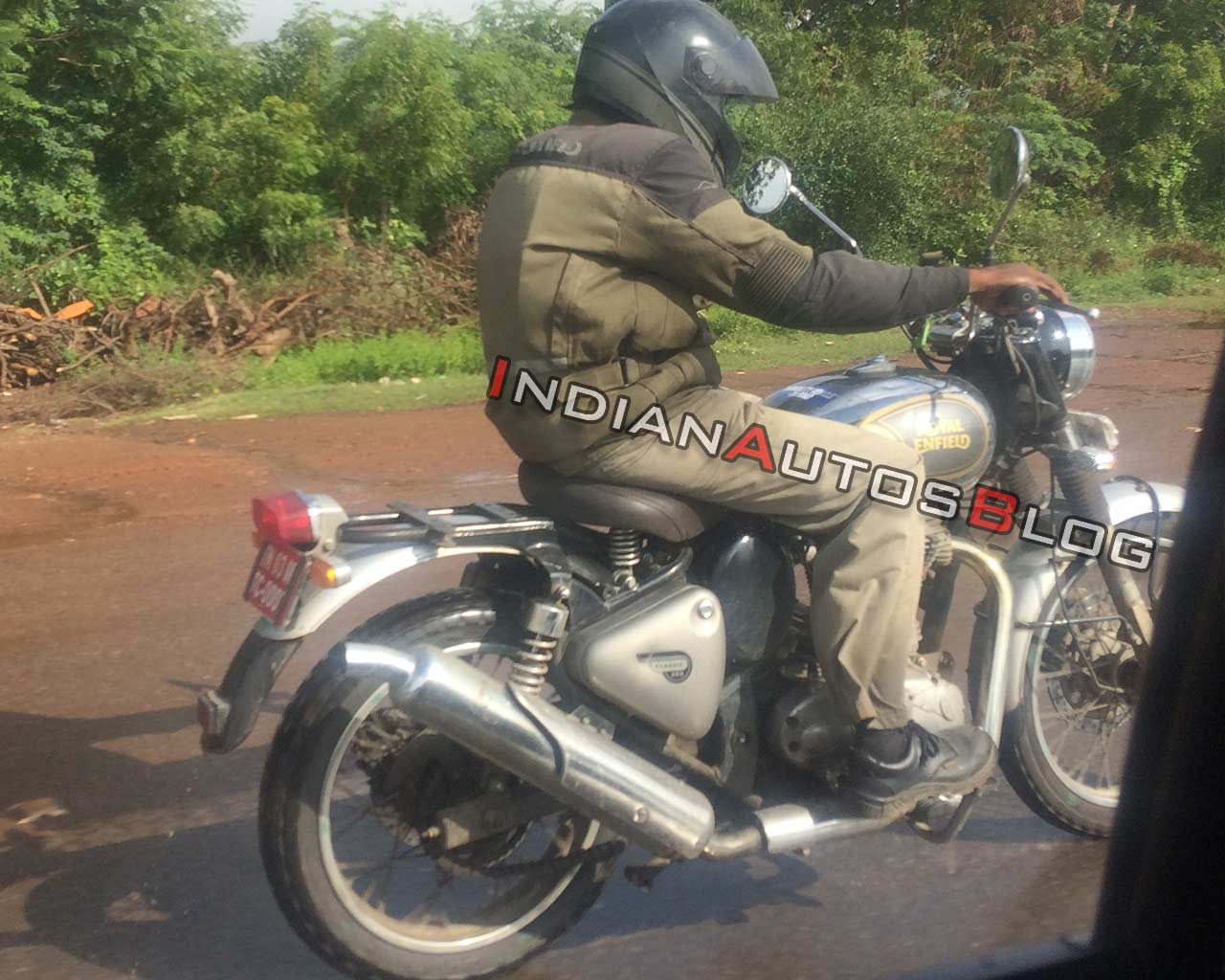 Royal Enfield Classic Scrambler Bike Launch Soon Spied