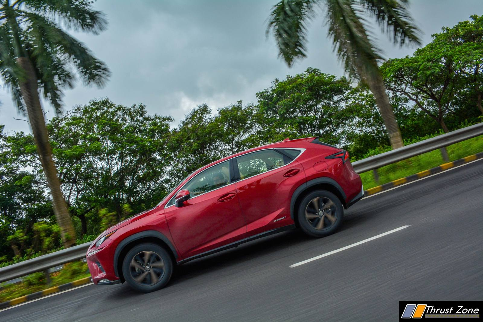 https://www.thrustzone.com/wp-content/uploads/2018/07/2018-Lexus-NX300h-India-Review-3.jpg