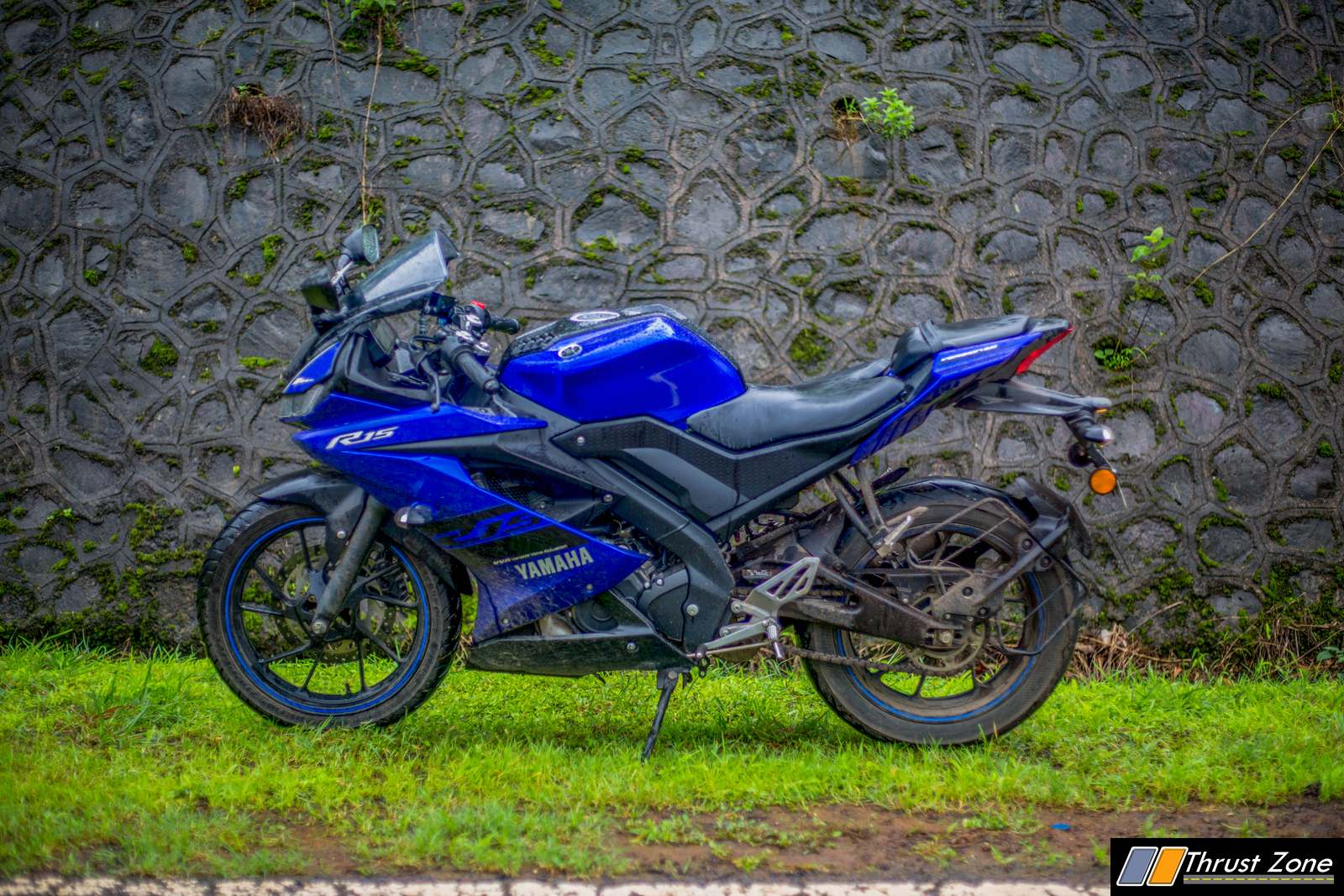 https://www.thrustzone.com/wp-content/uploads/2018/07/Yamaha-R15-V3-Review-Road-Test-20.jpg