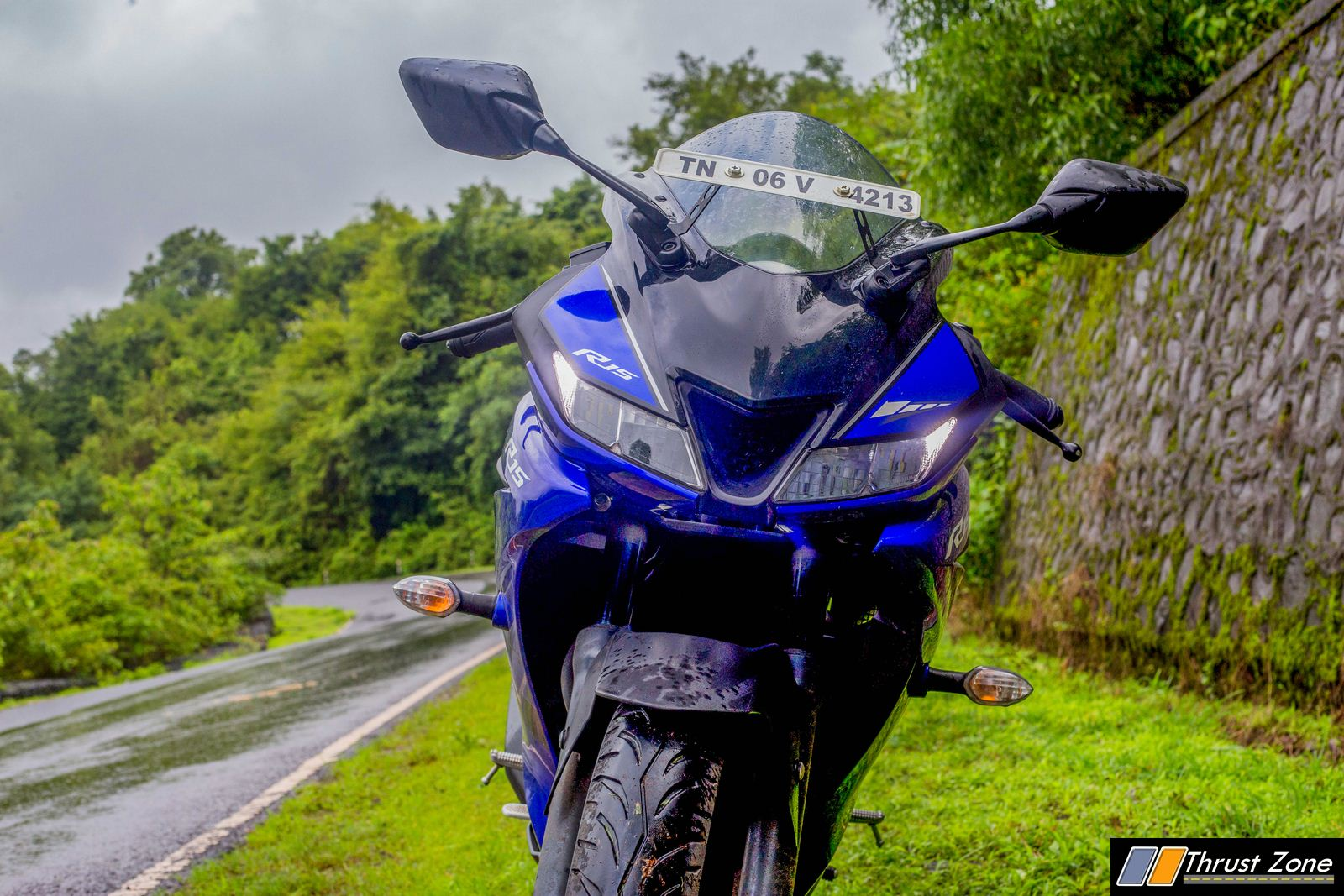 https://www.thrustzone.com/wp-content/uploads/2018/07/Yamaha-R15-V3-Review-Road-Test-24.jpg