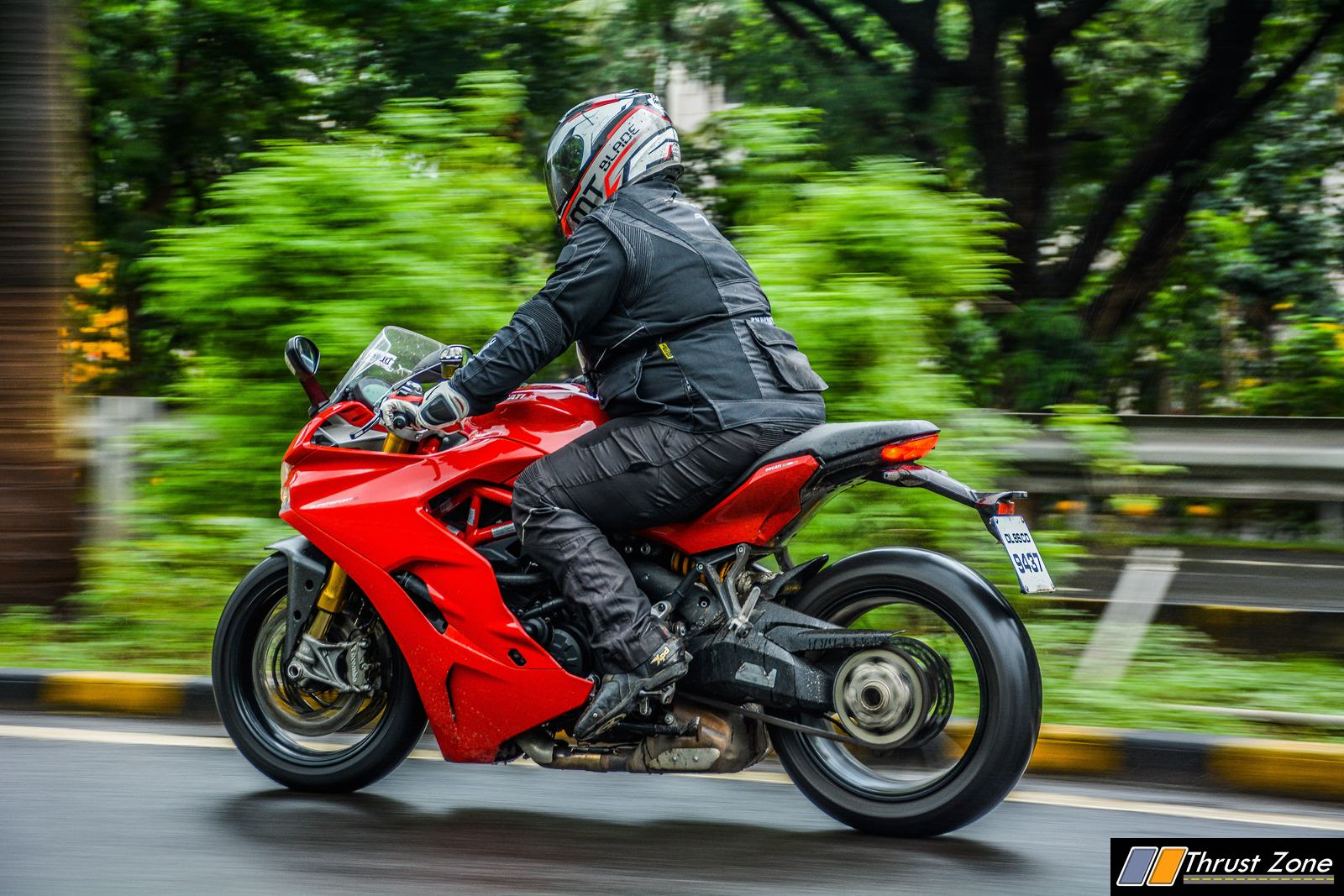 2018-Ducati-SuperSport-S-India-Review-10