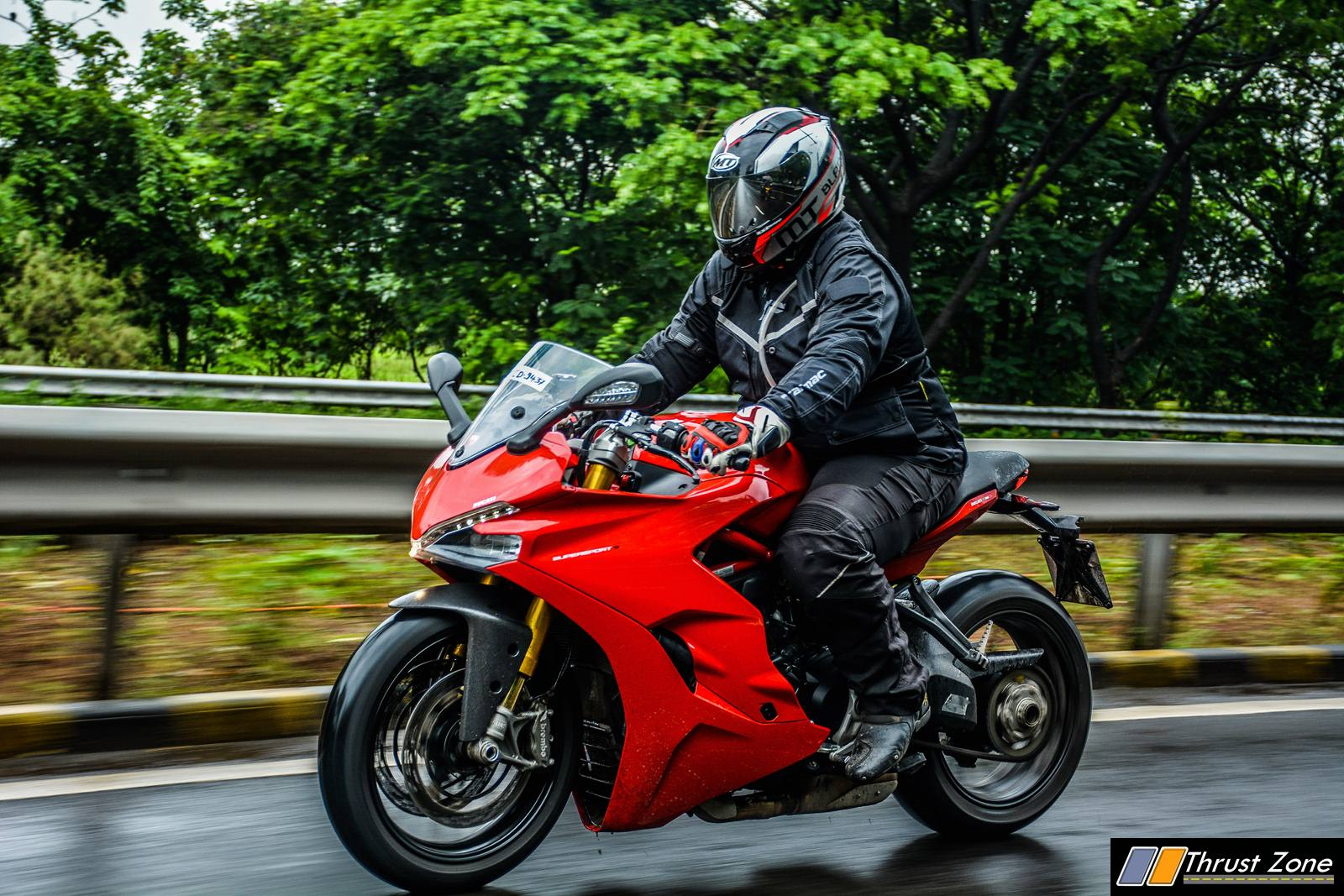 2018-Ducati-SuperSport-S-India-Review-3