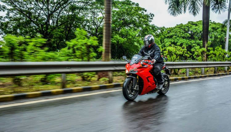 2018-Ducati-SuperSport-S-India-Review-4