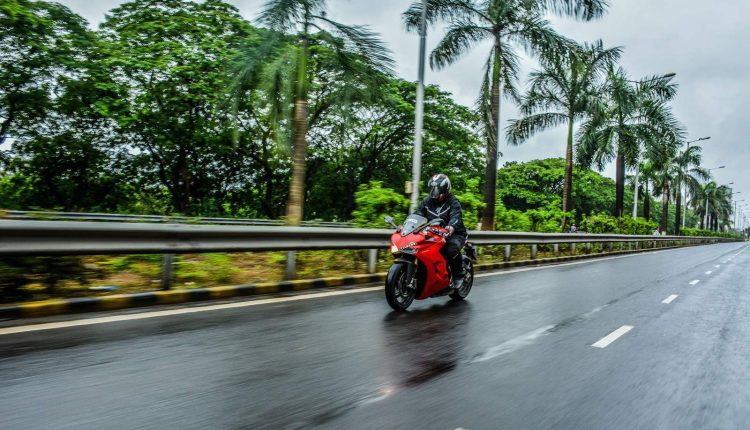 2018-Ducati-SuperSport-S-India-Review-5