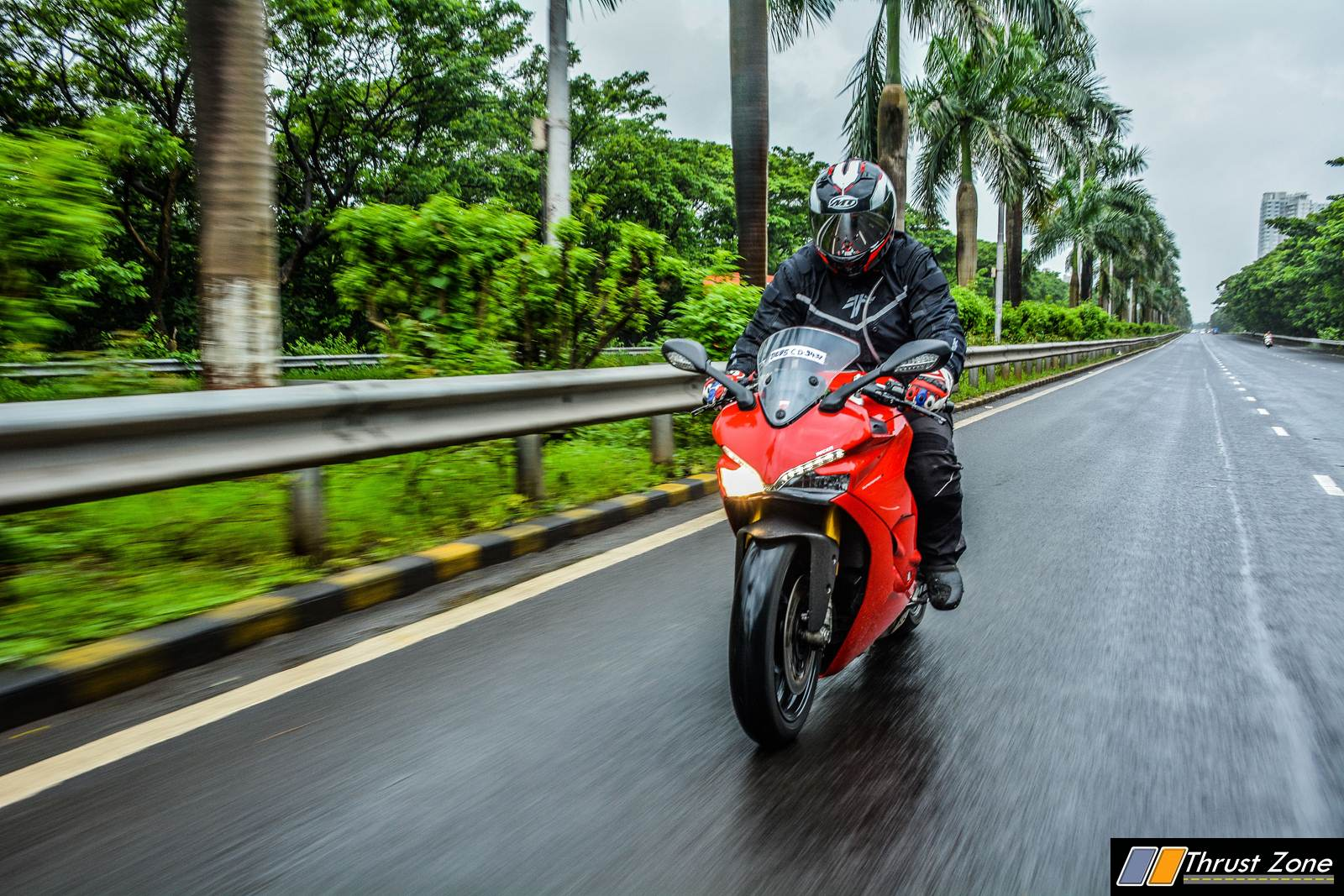 2018-Ducati-SuperSport-S-India-Review-9