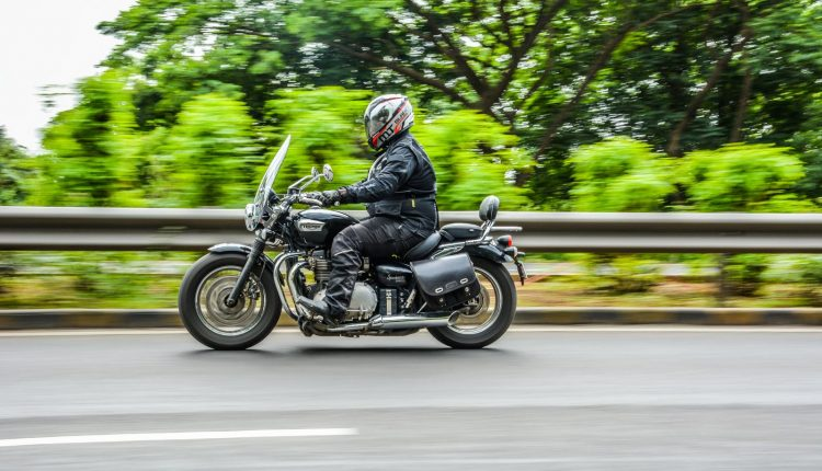 2018-Triumph-Speedmaster-India-Review-23