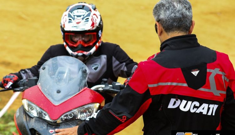 Ducati Riding Experience on dirt (3)