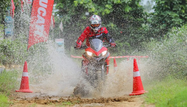 Ducati Riding Experience on dirt (5)