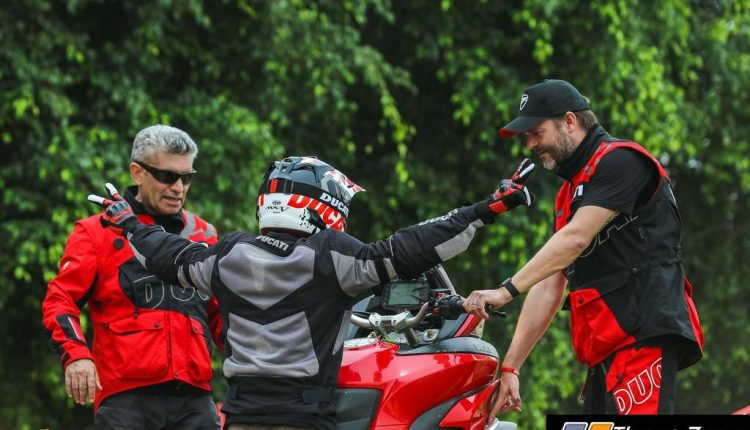Ducati Riding Experience on dirt (6)