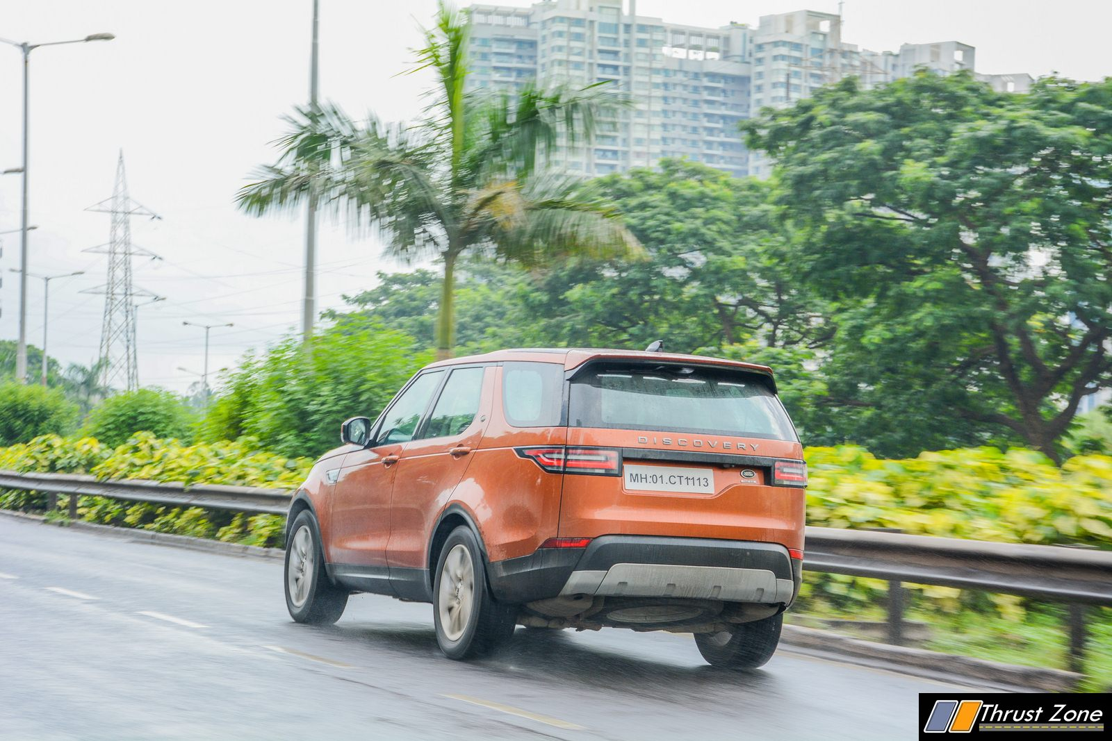 2018-Land-Rover-Discovery-Petrol-India-Review-22
