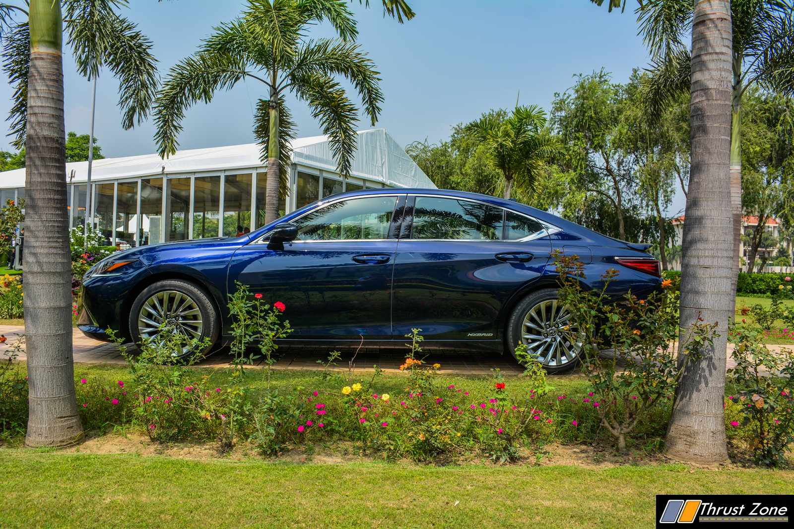 2019-Lexus-ES-India-300h-Review-4