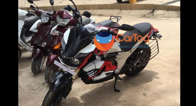 Mahindra-Mojo-electric-bike-spied