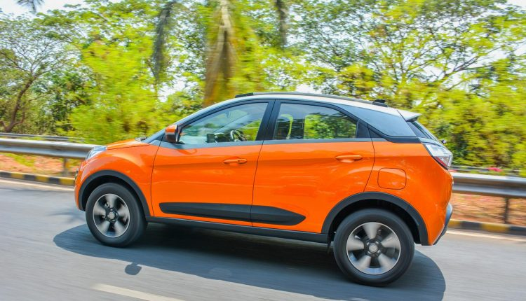 Tata-Nexon-Petrol-Diesel-Manual-AMT-Review-24