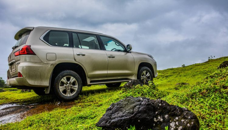 2018-Lexus-LX-India-Diesel-Review-16