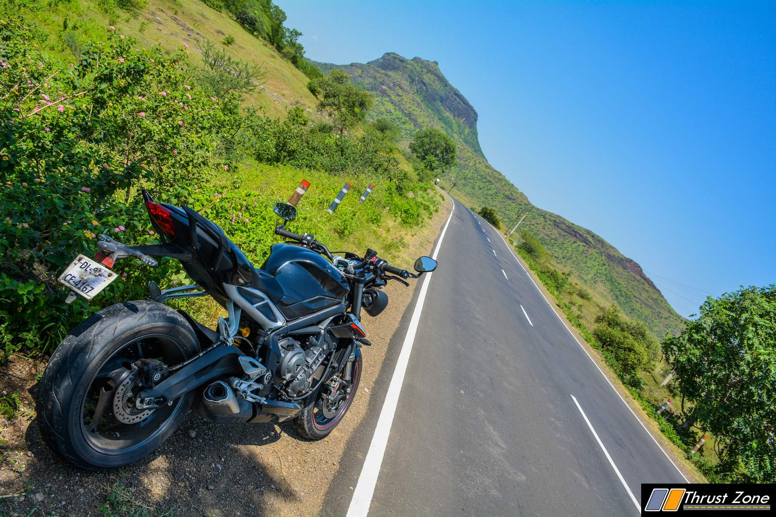 https://www.thrustzone.com/wp-content/uploads/2018/10/2018-Street-Triple-RS-India-Review-14.jpg