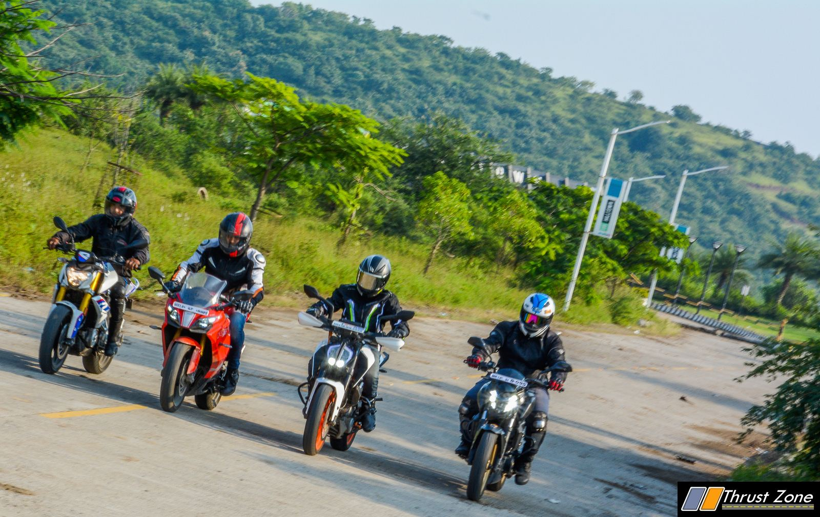 BMW G310R vs Duke 390 vs Dominar 400 vs Apache RR310 Review-18