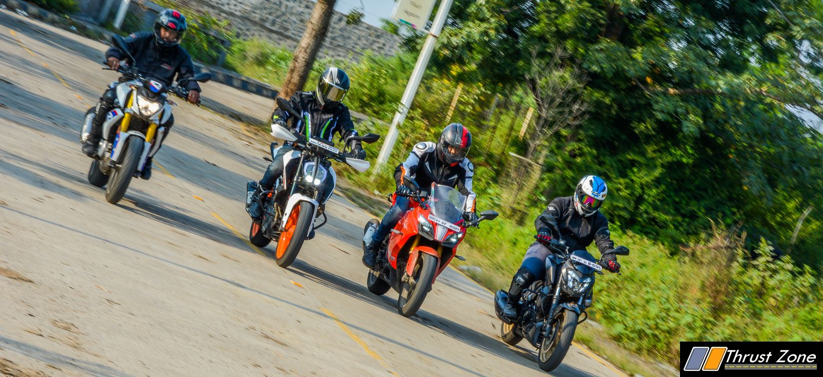 BMW G310R vs Duke 390 vs Dominar 400 vs Apache RR310 Review-27