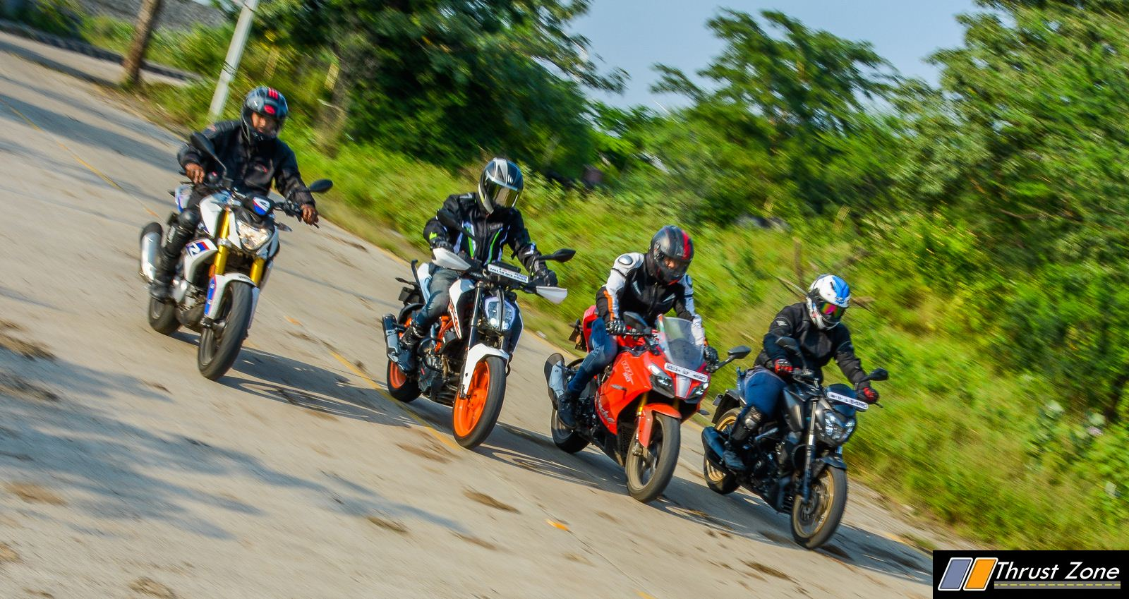 BMW G310R vs Duke 390 vs Dominar 400 vs Apache RR310 Review-28