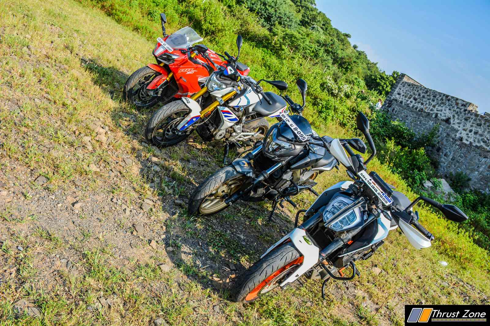 BMW G310R vs Duke 390 vs Dominar 400 vs Apache RR310 Review-8