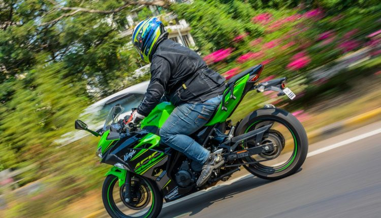 2018-Kawasaki-Ninja-400-India-Review-10