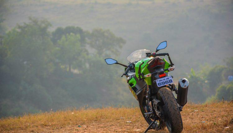 2018-Kawasaki-Ninja-400-India-Review-12