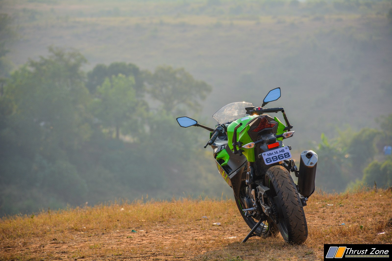 2018-Kawasaki-Ninja-400-India-Review-12