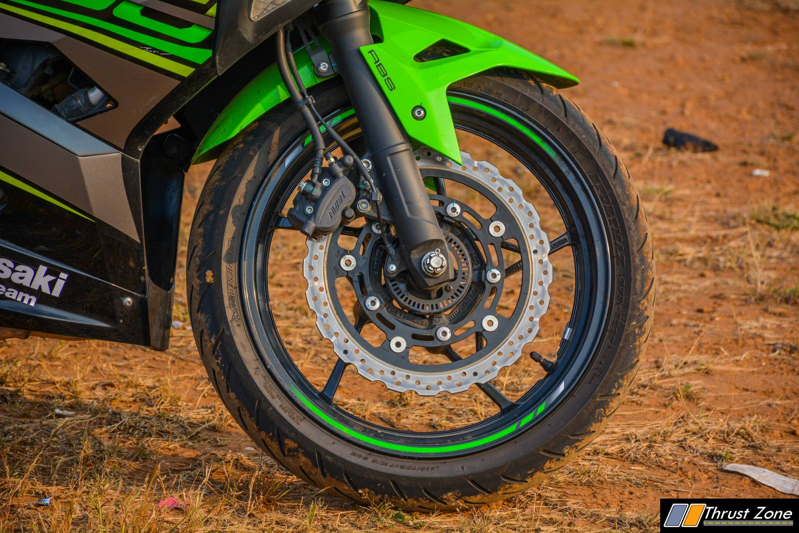 https://www.thrustzone.com/wp-content/uploads/2018/11/2018-Kawasaki-Ninja-400-India-Review-16.jpg
